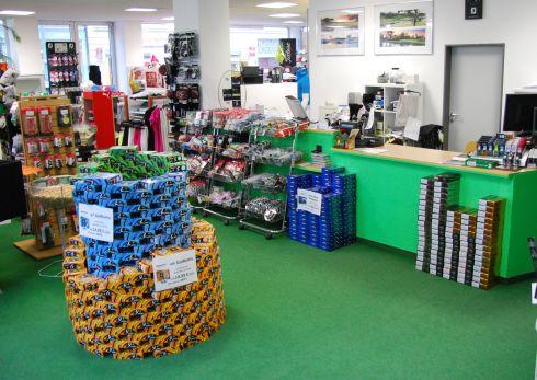Golfoutletstores München - Foto im Ladengschäft: Golfbälle & Kasse